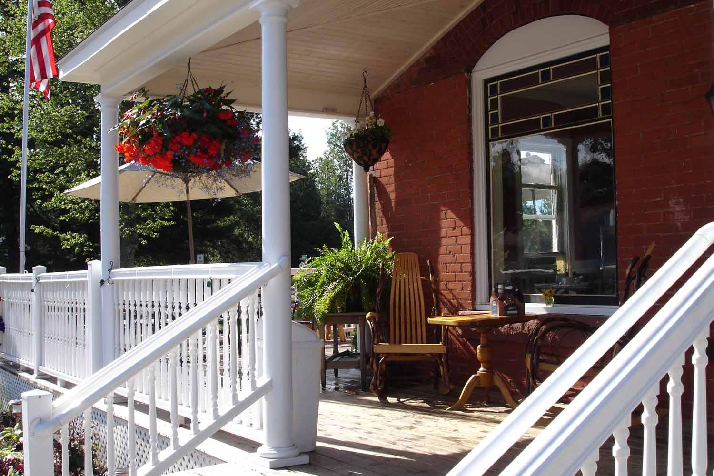 brickhouse-cafe-slide